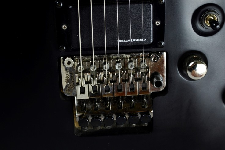 schecter diamon demon